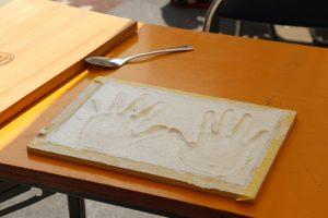 SAKAIの家|漆喰プレート 手形