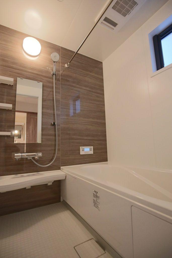新築建売光吉のバスルーム